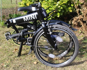 kleines Faltmaß und geringes Gewicht BMW Folding Bike